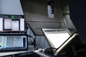 Der Arbeitsplatz beim Digitalisierungen stellt hohe Bedingungen auch an das Fachpersonal.